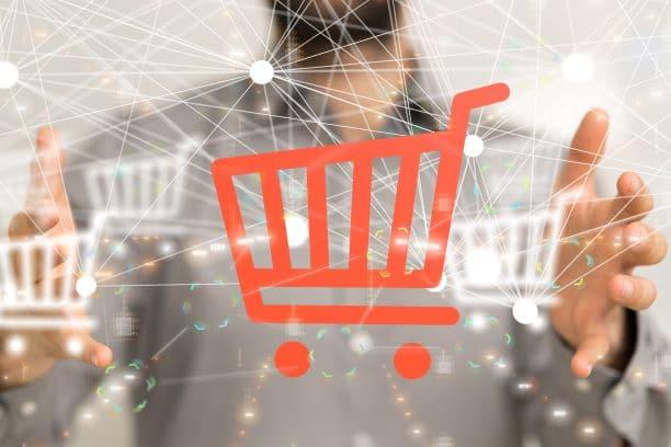 Analytics et écoute client au service du web to store